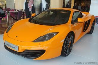 racing-car-350370_1280