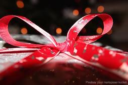 gift-237536_1280